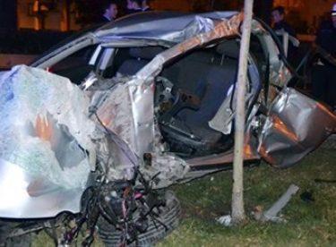 İzmir'de Trafik Kazası: 2 Polis Şehit, 3 Polis Yaralı