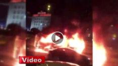 İstanbul'da Minibüs Alev Alev Yandı